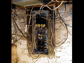 warning signs your electrical system is in need of repair bad fuse box